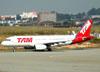 Airbus A320-232, PT-MZJ, da TAM (Voando para a Pantanal). (16/06/2011)