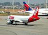 Airbus A320-231, PT-MZO, da TAM. (16/06/2011)