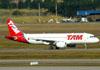 Airbus A320-214, PR-MYF, da TAM. (16/06/2011)