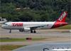 Airbus A320-214, PR-MHF, da TAM. (19/12/2013)