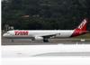Airbus A321-231, PT-MXJ, da TAM. (19/12/2013)