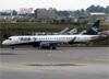 Embraer 195AR, PR-AYH, da Azul. (19/12/2013)