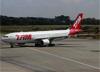 Airbus A330-223, PT-MVU, da TAM. (19/12/2013)