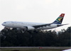 Airbus A330-243, ZS-SXV, da South African. (19/12/2013)