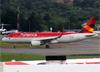 Airbus A320-214 (WL), PR-ONS, da Avianca Brasil. (19/12/2013)