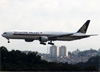 Boeing 777-312ER, 9V-SWE, da Singapore Airlines. (19/12/2013)