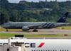 Boeing 777-243ER, EI-DDH, da Alitalia (SkyTeam). (19/12/2013)