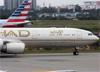Airbus A340-541, A6-EHD, da Etihad. (19/12/2013)