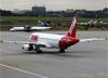 Airbus A320-232, PR-MAK, da TAM. (19/12/2013)