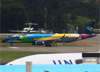 Embraer 195AR, PR-AXH, da Azul. (19/12/2013)