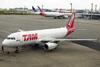 Airbus A320-232, PR-MAZ, da TAM. (21/04/2013)
