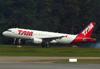 Airbus A320-214, PR-MYI, da TAM. (21/04/2013)