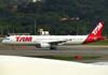Airbus A321-231, PT-MXJ, da TAM. (21/04/2013)