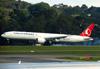 Boeing 777-3F2ER, TC-JJF, da Turkish Airlines. (21/04/2013)