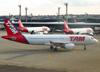 Airbus A320-214, PR-MHS, da TAM. (21/04/2013)
