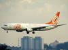 Boeing 737-86B, PR-GIV, da GOL. (21/04/2013)
