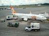 Boeing 737-8EH, PR-GGG, da GOL. (22/03/2012)