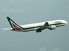 Boeing 777-243ER, I-DISO, da Alitalia. (22/03/2012)