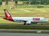 Airbus A320-233, PR-MBM, da TAM. (22/03/2012)