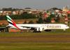 Boeing 777-31HER, A6-ECX, da Emirates. (26/07/2012)