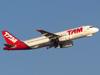 Airbus A320-232, PR-MAV, da TAM. (26/07/2012)