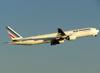Boeing 777-328ER, F-GZNA, da Air France. (26/07/2012)