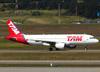 Airbus A320-214, PR-MHQ, da TAM. (26/07/2012)