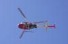 Helibrás/Eurocopter AS-350BA Esquilo, Águia 6, PP-EOJ, da Polícia Militar de São Paulo, logo após a decolagem do Estádio Rui Barbosa, em São Carlos. (29/06/2006)