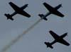 3 tucanos da Esquadrilha da Fumaça treinando sobre a cidade de São Carlos. (15/12/06)