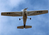 Cessna 172N Skyhawk, PR-PRD, da Fenix Escola de Aviação, sobrevoando São Carlos. (20/11/2014)