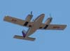 Piper/Embraer EMB-810C Seneca II, PT-RFG, sobrevoando São Carlos.