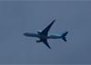 Boeing 777-FB5, HL8226, da Korean Air Cargo, sobrevoando São Carlos (SP). (26/06/2016)