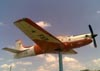 Embraer EMB-312 (T-27 Tucano), FAB 1374, da AFA (Academia da Força Aérea), exposto em Pirassununga (SP). (24/11/2010) Foto: Sérgio Cardoso.