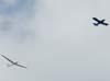 Embraer EMB-202 Ipanemão (G-19A) rebocando um Schempp-Hirth Duo Discus, ambos do CVV (Clube de Voo a Vela) da AFA (Academia da Força Aérea).