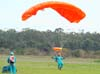 Paraquedista da Esquadrilha Oi.