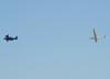 Embraer EMB-202 Ipanemão (G-19A) rebocando o Schempp-Hirth Duo Discus (esquerda), ambos do CVV (Clube de Voo a Vela) da AFA (Academia da Força Aérea).