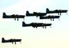 Decolagem dos T-27 Tucano da Esquadrilha da Fumaça.