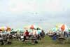 Público assistindo a apresentação da Esquadrilha da Fumaça no Dayton Air Show, em Dayton, Ohio, Estados Unidos. (29/07/2007) Foto: Suboficial Waldemar Prieto Júnior, fotógrafo do Esquadrão de Demonstração Aérea.