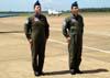 A esquerda, o antigo líder do EDA, Tenente Coronel Aviador Alberto das Neves Neto, e o novo líder, Tenente Coronel Aviador José Aguinaldo de Moura.