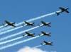 Tenente Coronel Aviador Neves Neto, voando em posição invertida, passando a liderança do EDA para o Tenente Coronel Aviador José Aguinaldo de Moura.