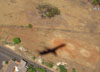 Sombra do Embraer ERJ 145MP, PT-PSS, da Passaredo. (18/09/2011)