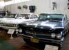 A partir da direita, o Buick Electra fabricado em 1960, e o Oldsmobile Cutlass de 1962. (25/07/2008) Foto: Ricardo Rizzo Correia.