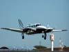 Piper/Embraer EMB-820C Navajo, PT-EEZ, durante a decolagem.