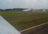 """O Douglas DC-3 """"Rose"""", N101KC, fazendo uma passagem rasante na pista do Aeroporto Campo dos Amarais, em Campinas. (30/08/2007)"""