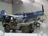 Jeep e Vought F4U-1 Corsair.
