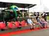 Ex-combatentes da Revolução em frente ao Waco CSO pertencente à Fundação Santos Dumont. (08/07/2012)