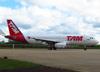 Airbus A320-232, PR-MBC, da TAM. (08/07/2012)