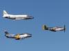 Rockwell Sabreliner 60, N607CF; North American P-51D Mustang, N5428V; e North American F-86F Sabre, NX188RL. (26/07/2011) - Foto: Celia Passerani.