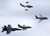 North American T-2B Buckeye (N27WS), McDonnell Douglas F/A-18F Hornet (165677), Douglas A-4B Skyhawk (N49WH) e North American FJ-4B Fury (N400FS). (28/07/2011) - Foto: Celia Passerani.
