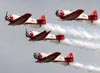 Os North American T-6 do Aeroshell Aerobatic Team. (28/07/2011) - Foto: Celia Passerani.
